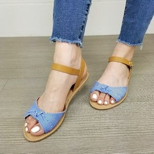 Shoes - Cute Blue & White Flat Striped Sandals - G